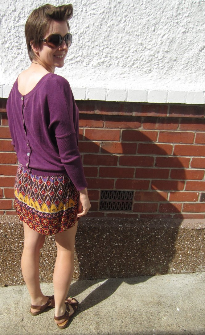 jumper: Kinky Gerlinki, skirt: trademe, sunnies: witchery, sandals: hush puppies