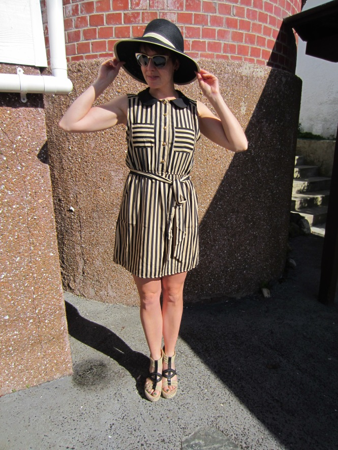 hat: modcloth, dress: modcloth, shoes: nine west (via amazon.com)
