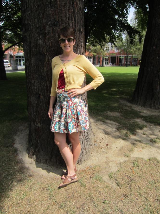 cardi: Portmans, top: my ex-work, skirt: vintage (Hong Kong)
