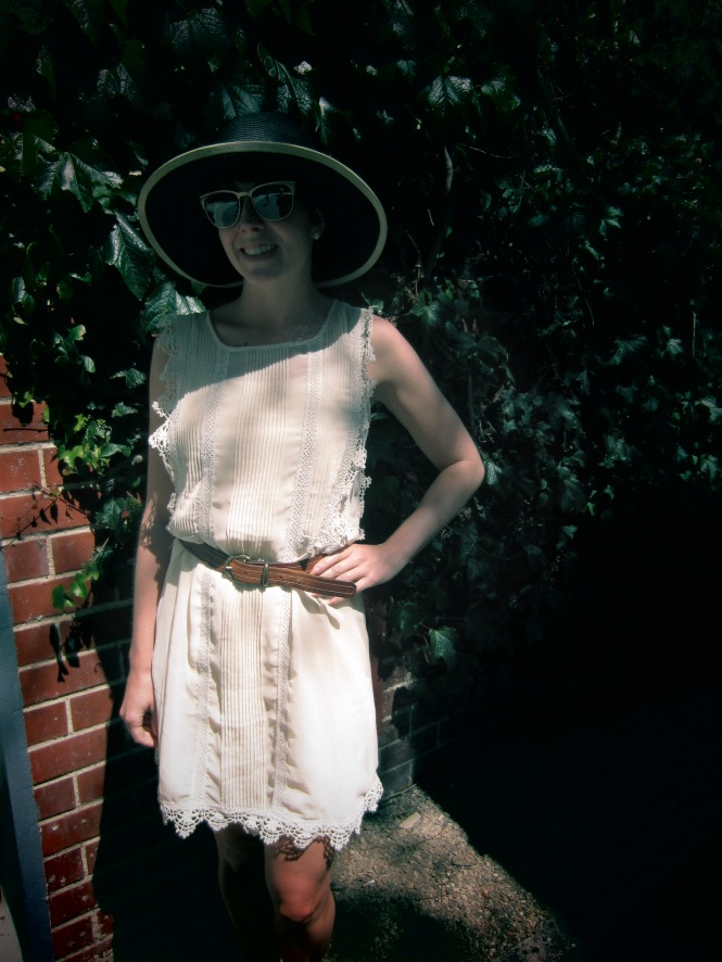 hat: modcloth, dress: modcloth, belt: vintage