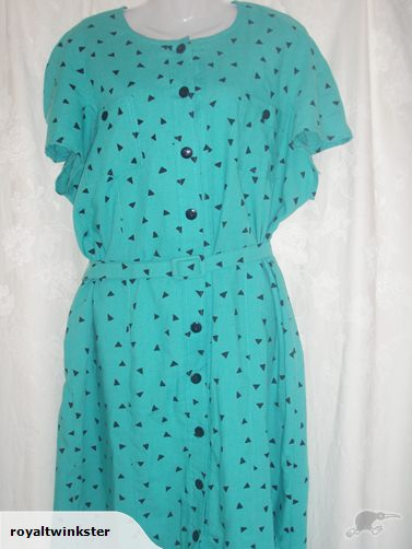 Awesome vintage feel dress.  Size 18.  $5 but reserve not met.  Ends Mar 3