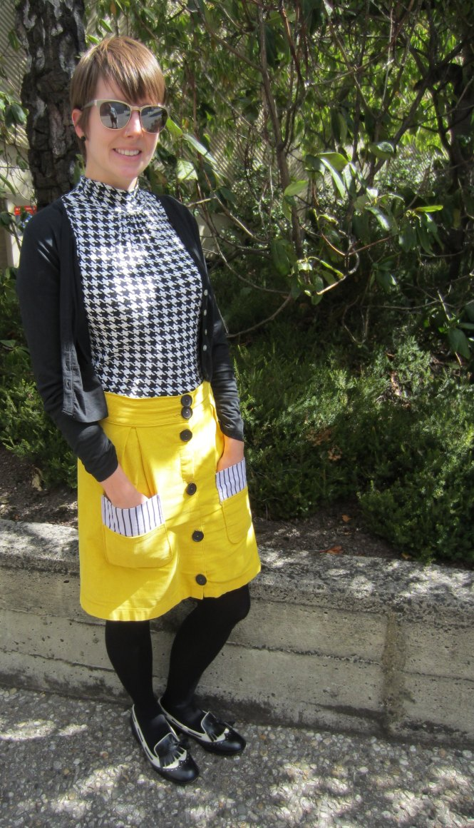 sunglasses: roc (old), cardi: my ex-work, top: trademe, skirt: trademe, shoes: trademe (mi piaci)