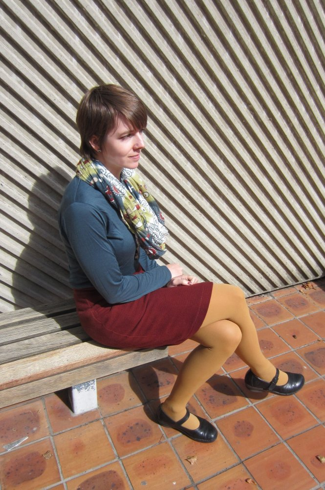 scarf: trademe, top: my ex-work, skirt: vintage (Modern Miss - Dunedin), shoes: Dr. Martens (old)