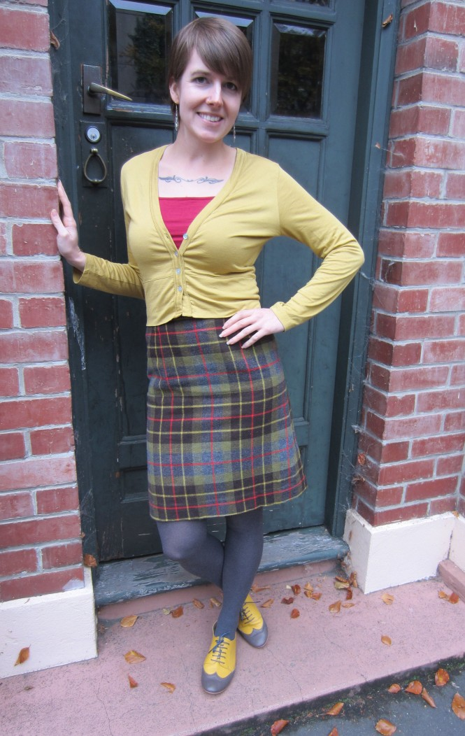 cardi & camisole: my ex-work, skirt: vintage, tights: witchery, shoes: mood by me