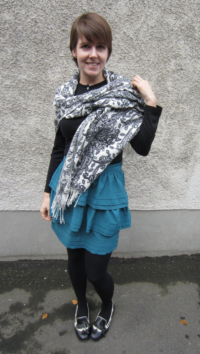 scarf: dunedin popup clearance store, top: my ex-work, skirt: trademe (paper scissors brand), shoes: tradme (mi piaci)