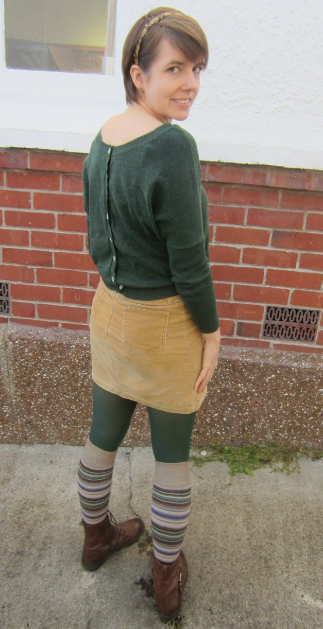 top: Kinki Gerlinki, skirt: trademe, socks: so so old, boots: OTBT Hutchinson