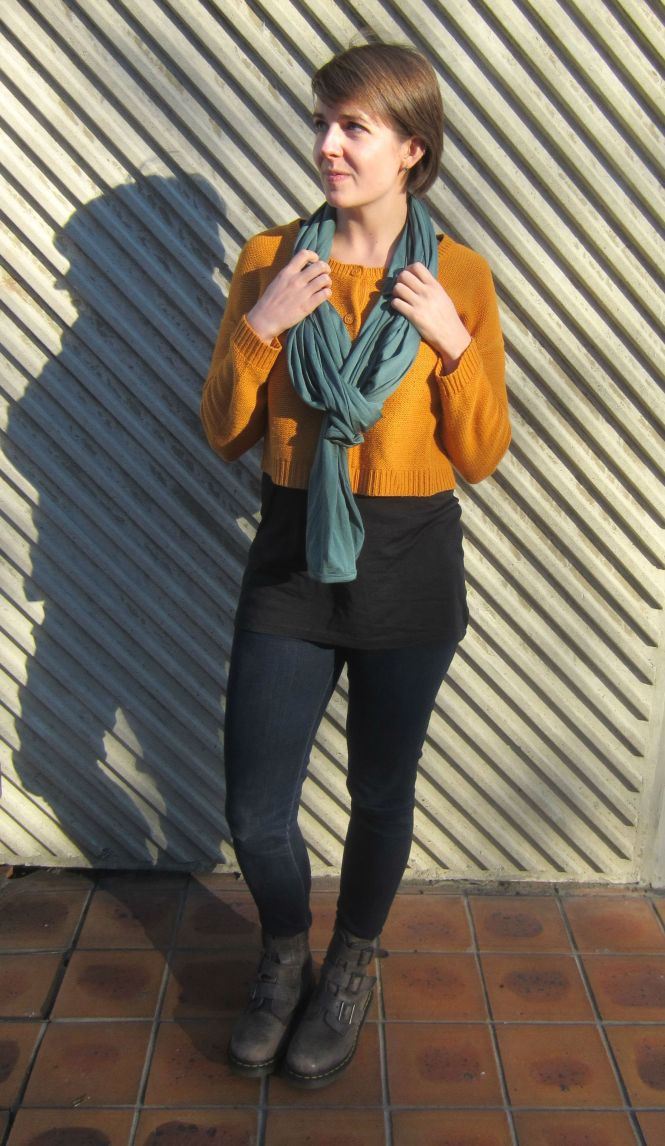 scarf: my ex-work, jumper: H & M, tunic: my ex-work, jeans: Seven for all mankind, boots: Dr. marten