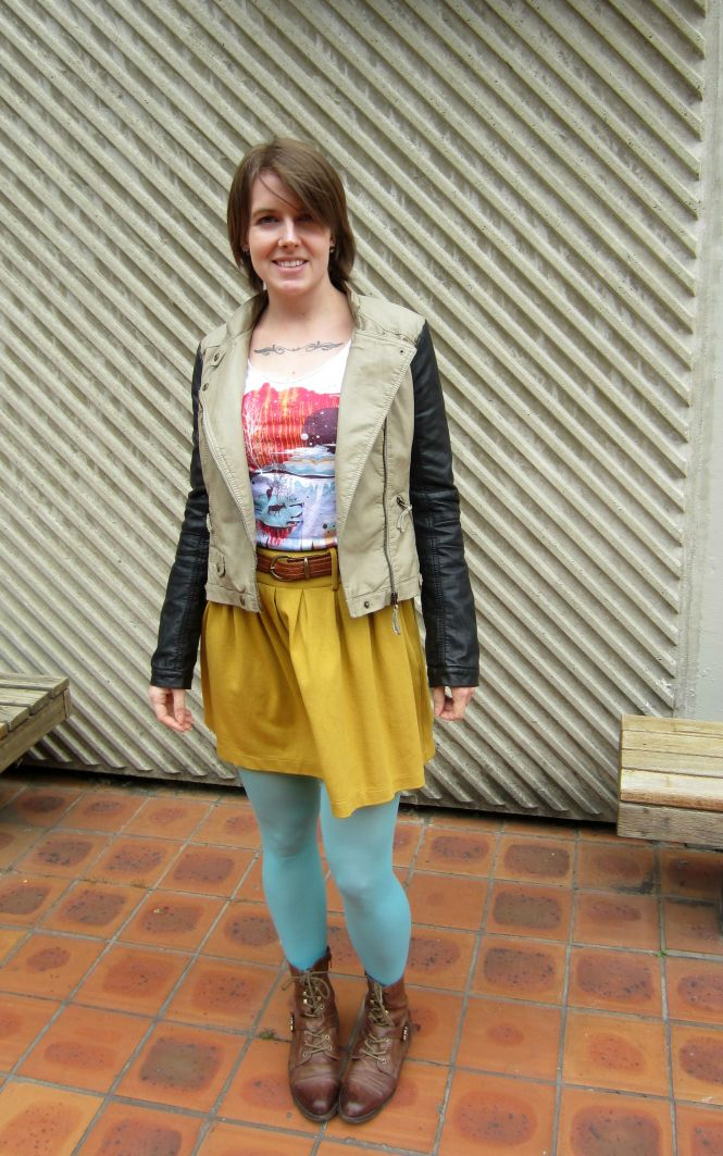 jacket: modcloth, t-shirt: threadless, belt: vintage, skirt: trademe, tights: we love colors, boots: OTBT Hutchinson