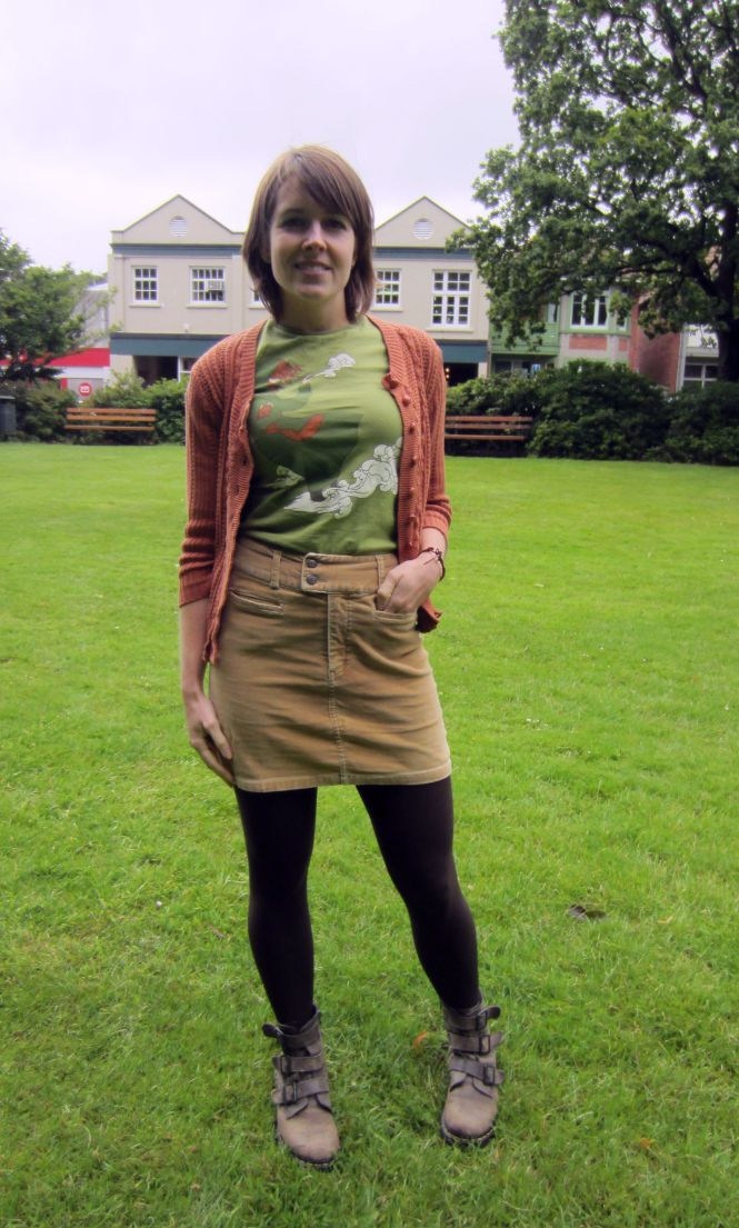 cardi: trademe (dotti?), tee: threadless, of course!, skirt: trademe, boots: Dr. Martens