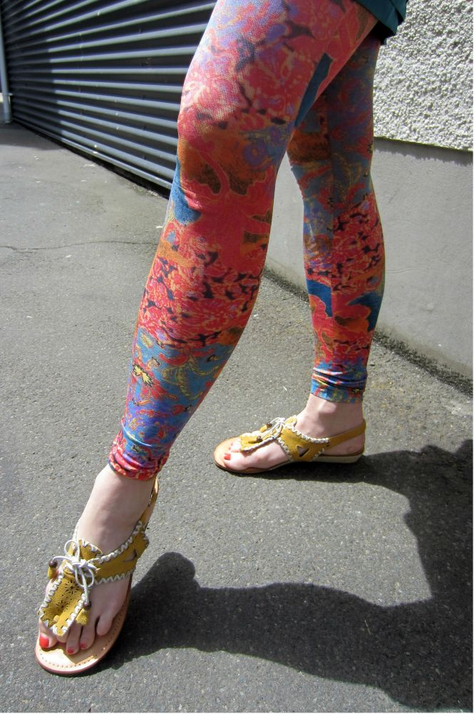 Close-up of the tights.  Yes they really are that vibrant.