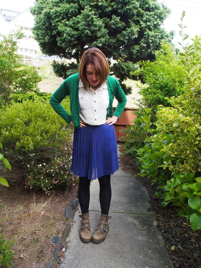 cardi: my ex-work, top: trademe (dotti), skirt: trademe (modcloth), boots: Dr. Marten