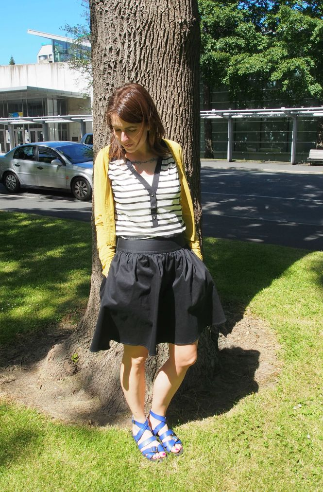 cardi: my ex-work, top: the limited, skirt: trademe, sandals: we don't mention this company's name anymore!