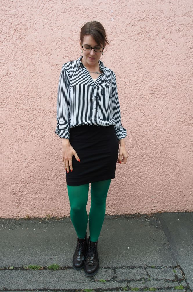 top: The Limited, skirt: Witchery, tights: We love colours, boots: Dr Martens