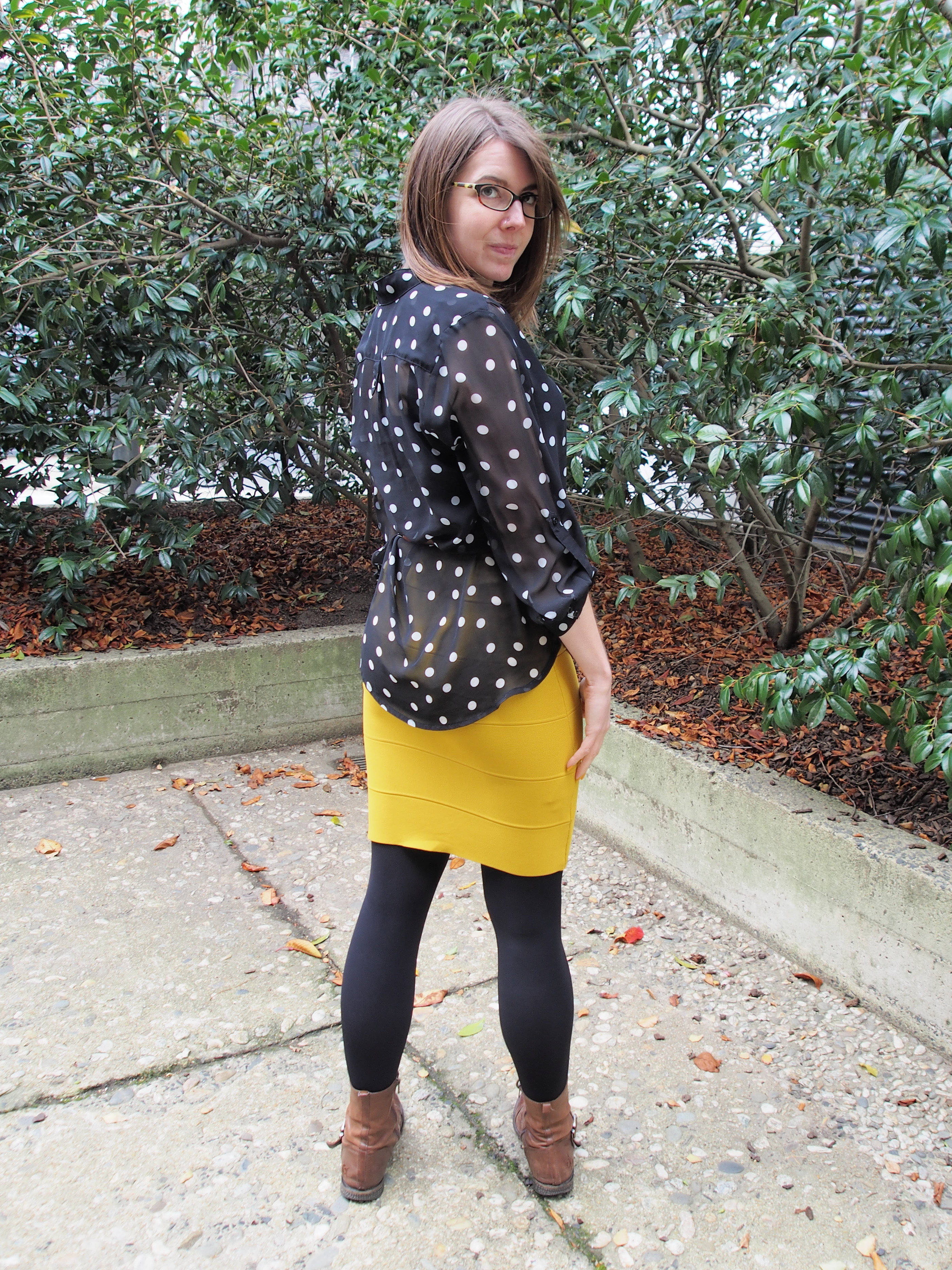 12e907d20 OOTD: Mustard bodycon skirt – Idealism never goes out of fashion