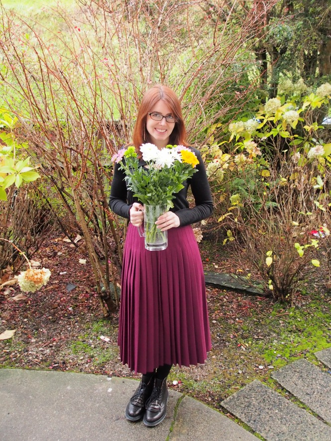 top: witchery, skirt: thrifted, boots: dr. marten